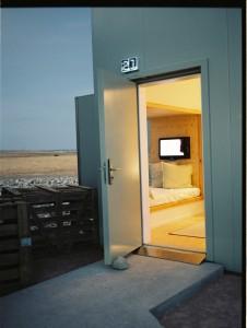 Refugio lunar en pleno desierto 9