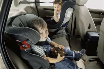 Coche y calor, una trampa para los niños