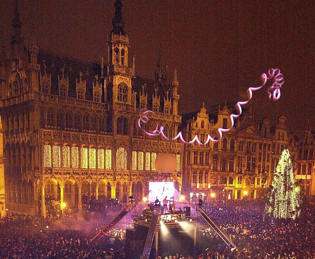 Ciudades que iluminan la Navidad 8