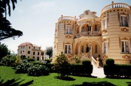 Enamorarse bajo el manto de Gaudí