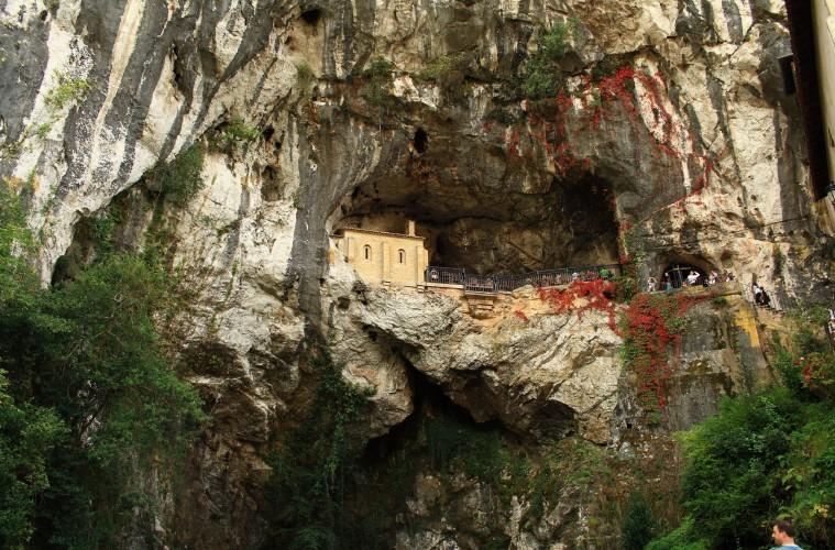 Ermitas y santuarios más impresionantes de España 7