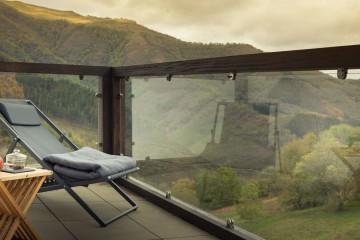 Un hotel de lujo entre montañas