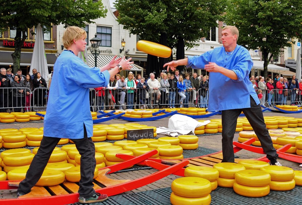 26 Alkmaar. Mercado de quesos