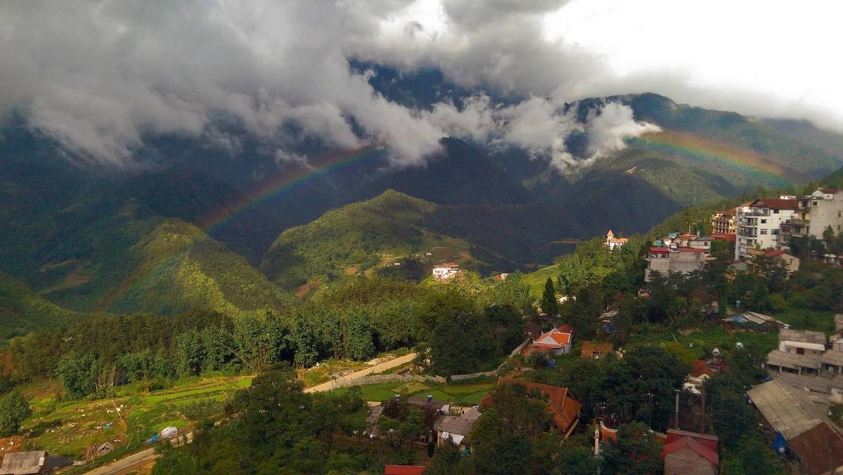 Una vista panorámica de las montañas de Sapa.
