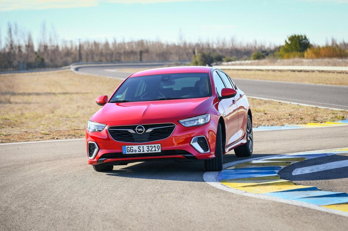Opel-Insignia-GSi-Grand-Sport-501819