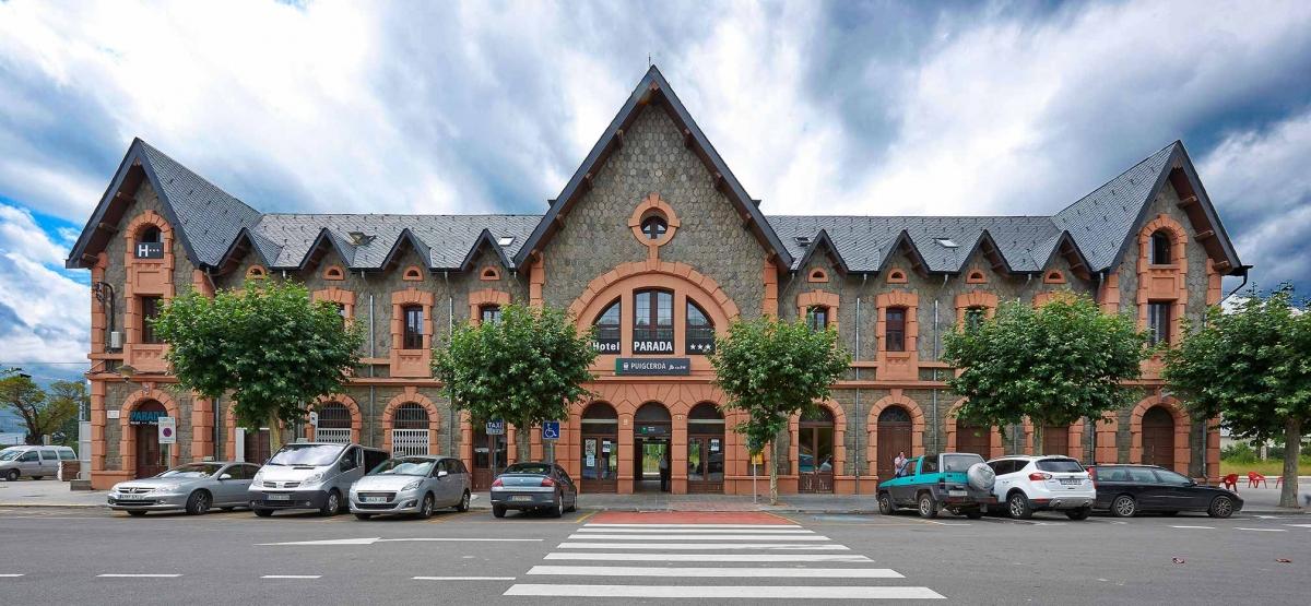 El edificio del Hotel Parada Puigcerdà