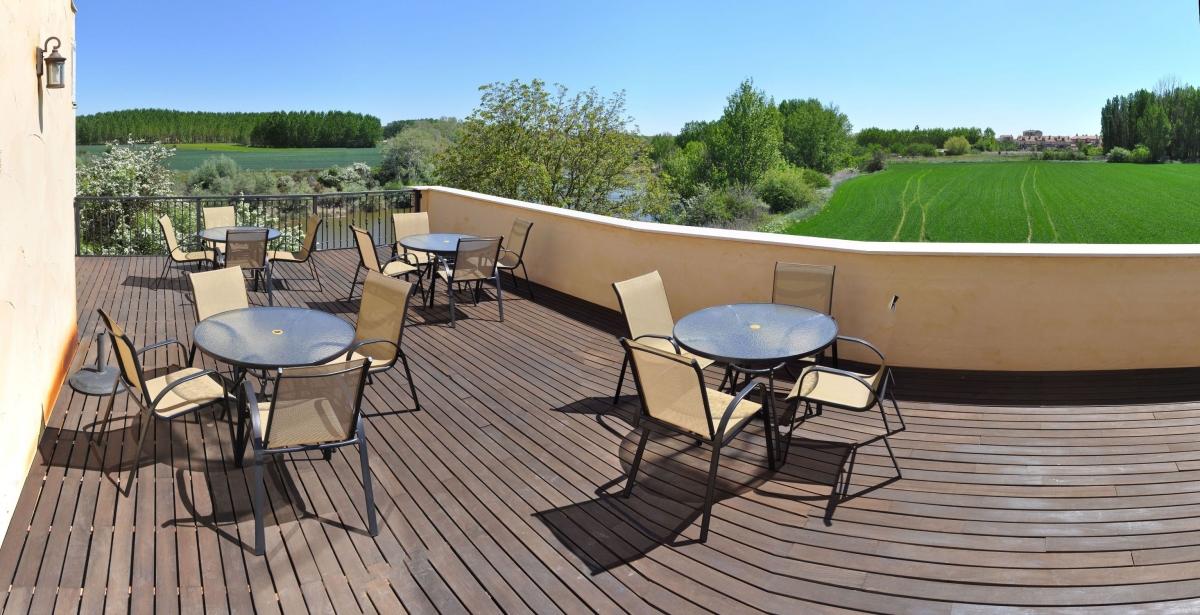terraza-con-vistas-al-duero-hotel-spa-kinedomus