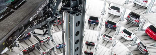 Interior de una de las torres Autostad
