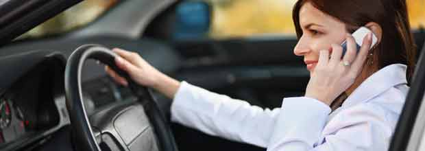 Distracciones y riesgos al volante