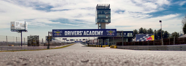 Driver's Academy RACE - Red Bull