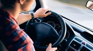 Cuándo y cómo usar el claxon del coche