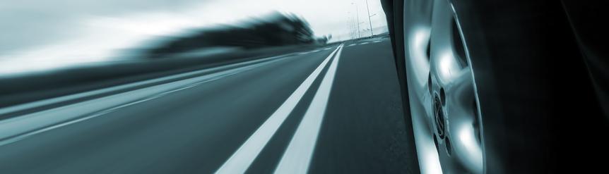 Neumático y asfalto